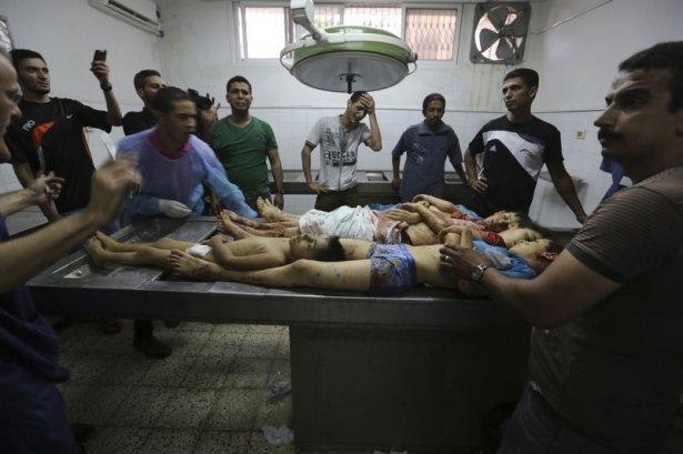 Gazzeli çocuk elinde çikolatasıyla öldü 15