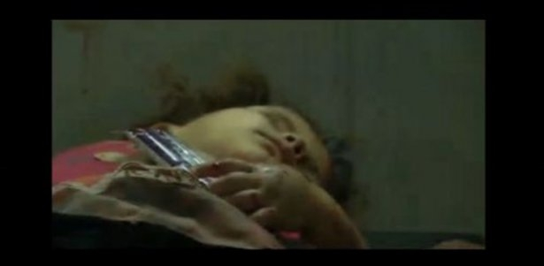 Gazzeli çocuk elinde çikolatasıyla öldü 17