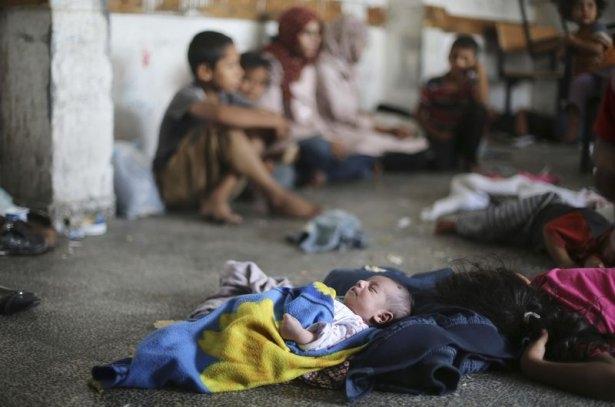 Gazzeli çocuk elinde çikolatasıyla öldü 2