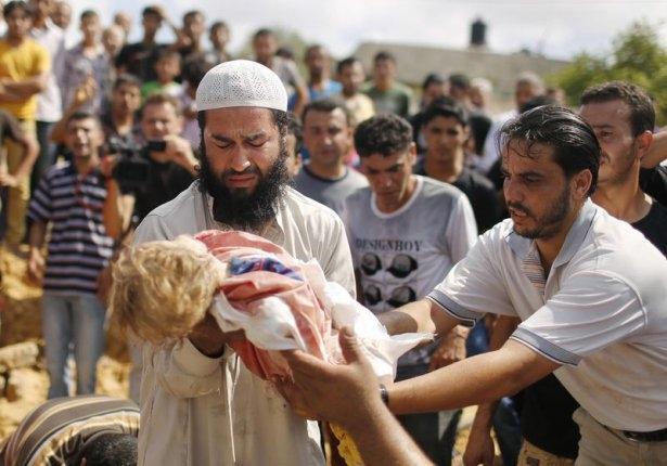 Gazzeli çocuk elinde çikolatasıyla öldü 6