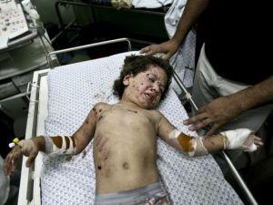 Gazzeli çocuk elinde çikolatasıyla öldü