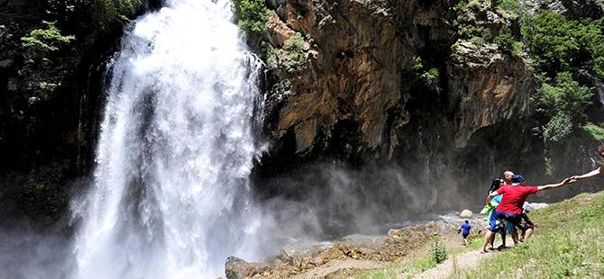 Aladağlar'ın Gizli Cenneti: Kapuzbaşı Şelaleleri 16