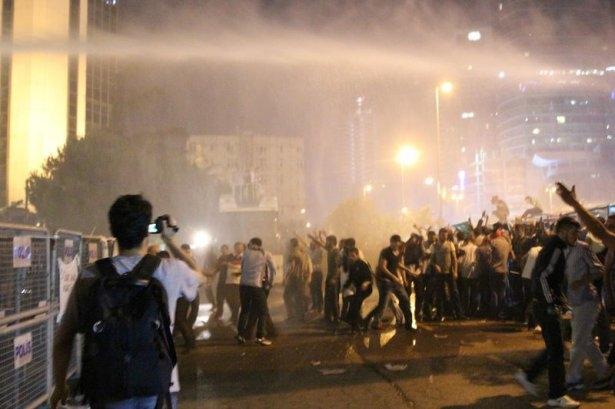 İstanbul'da binlerce kişi İsrail'i lanetledi 10