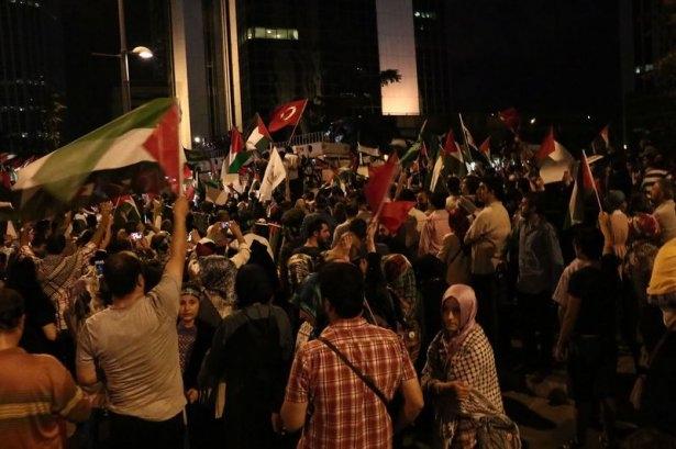 İstanbul'da binlerce kişi İsrail'i lanetledi 2