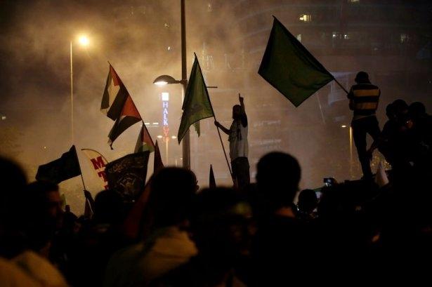 İstanbul'da binlerce kişi İsrail'i lanetledi 24