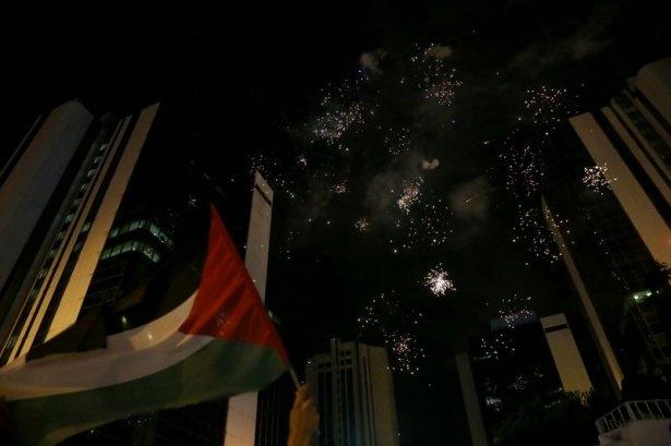 İstanbul'da binlerce kişi İsrail'i lanetledi 25