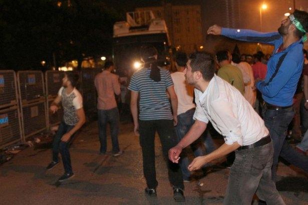 İstanbul'da binlerce kişi İsrail'i lanetledi 34