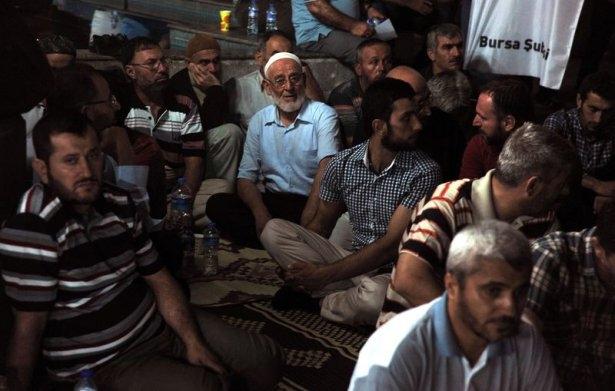 İstanbul'da binlerce kişi İsrail'i lanetledi 37