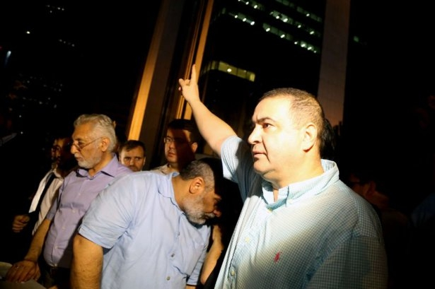 İstanbul'da binlerce kişi İsrail'i lanetledi 38