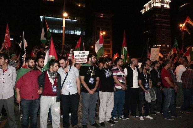 İstanbul'da binlerce kişi İsrail'i lanetledi 45