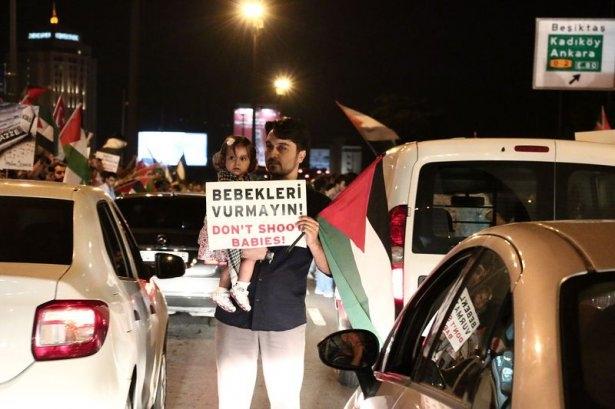 İstanbul'da binlerce kişi İsrail'i lanetledi 50