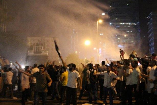 İstanbul'da binlerce kişi İsrail'i lanetledi 7