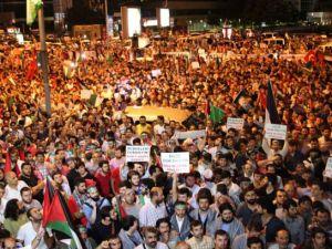 İstanbul'da binlerce kişi İsrail'i lanetledi