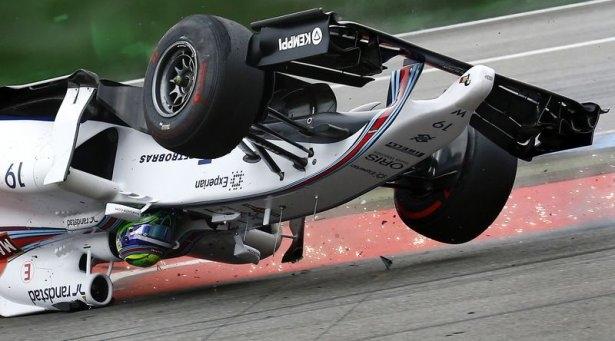 Formula 1'de feci kaza! 4