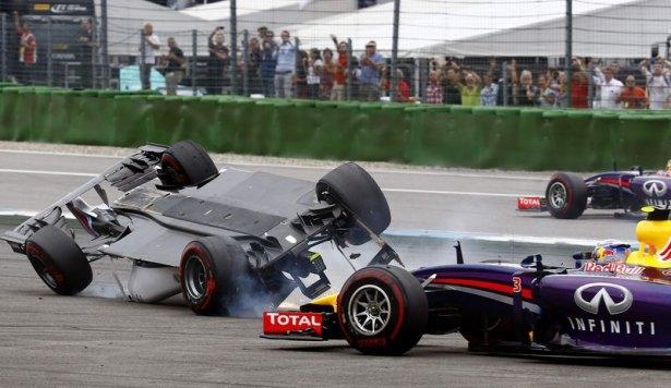 Formula 1'de feci kaza! 5