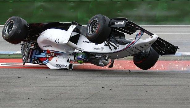 Formula 1'de feci kaza! 7