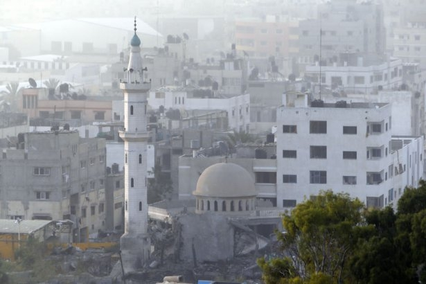 İsrail ordusu 3 camiyi vurdu 13