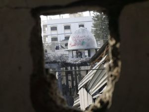 İsrail ordusu 3 camiyi vurdu