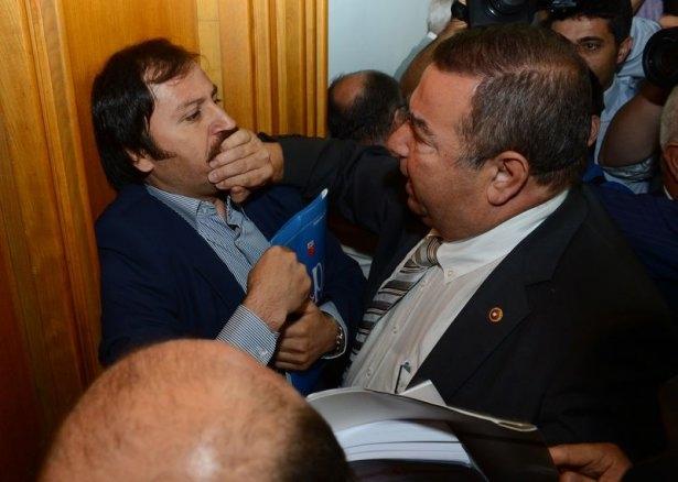 CHP grup toplantısında olaylar çıktı! 5