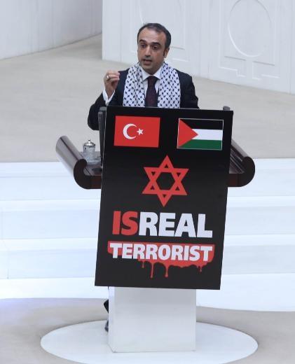 Meclis kürsüsünde İsrail protestosu 8