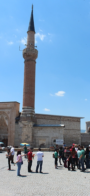 """Tarihi Eşrefoğlu Camii, """"Kalıcı Dünya Mirası"""" Olmaya Aday 15"""