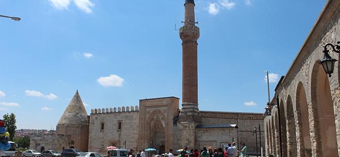 """Tarihi Eşrefoğlu Camii, """"Kalıcı Dünya Mirası"""" Olmaya Aday 7"""