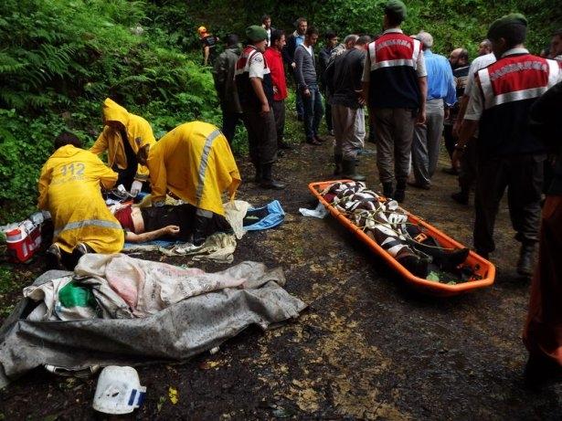 Feci kazada aynı aileden 3 kişi öldü 4