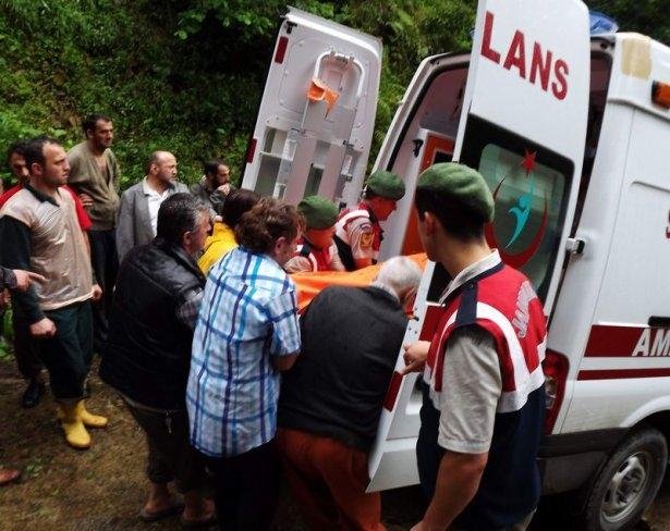 Feci kazada aynı aileden 3 kişi öldü 5