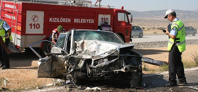Konya'da İki Otomobil Çarpıştı: 1 Ölü, 3 Yaralı 3