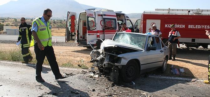 Konya'da İki Otomobil Çarpıştı: 1 Ölü, 3 Yaralı 5