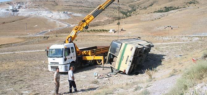 Konya'da Otobüs Devrildi: 14 Yaralı 1
