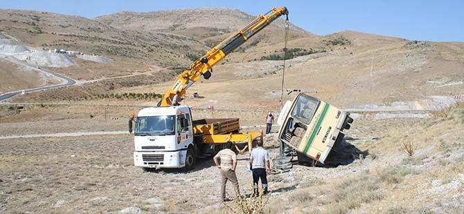 Konya'da Otobüs Devrildi: 14 Yaralı 4