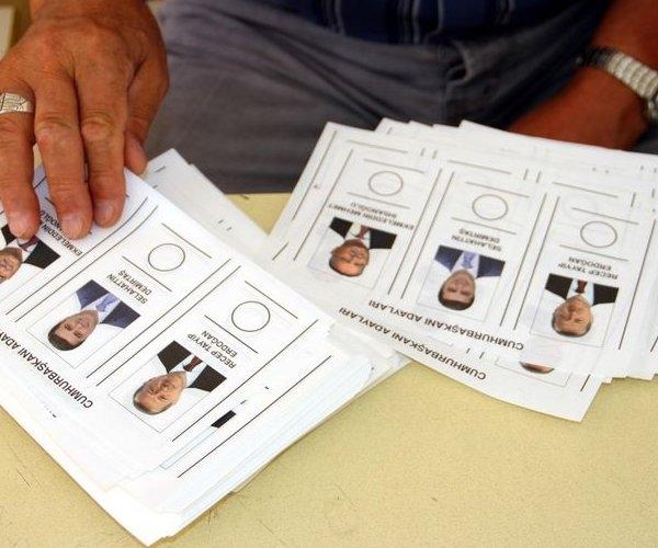 Türkiye genelinde oy verme işlemi başladı 15