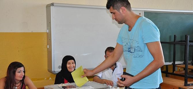 Türkiye genelinde oy verme işlemi başladı 16