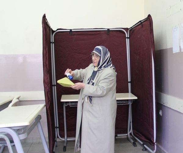 Türkiye genelinde oy verme işlemi başladı 21