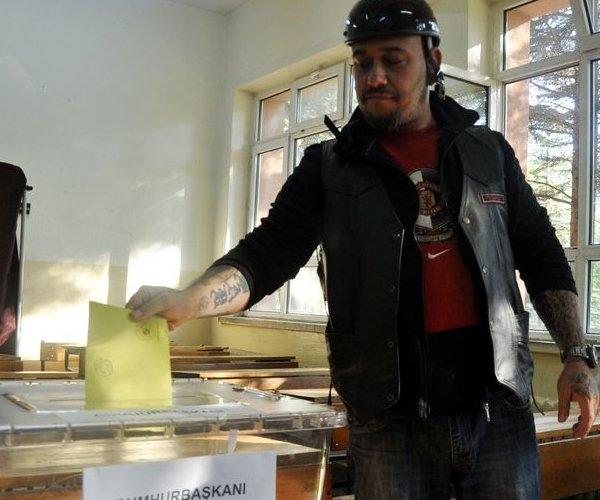 Türkiye genelinde oy verme işlemi başladı 22