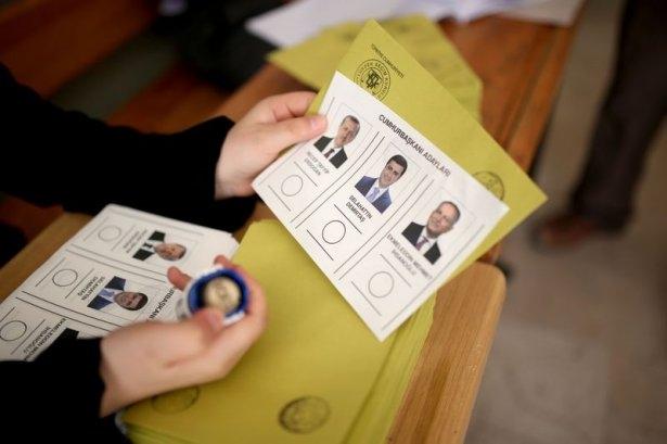 Türkiye genelinde oy verme işlemi başladı 24