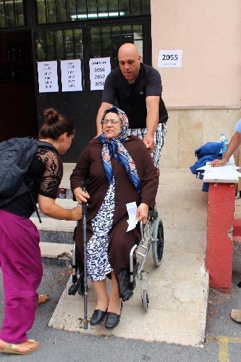 Türkiye genelinde oy verme işlemi başladı 29