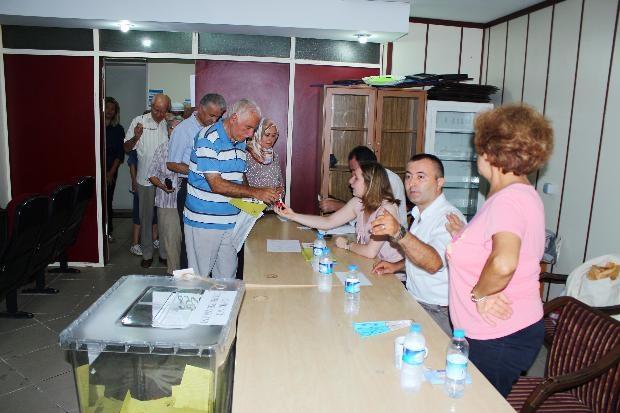 Türkiye genelinde oy verme işlemi başladı 33