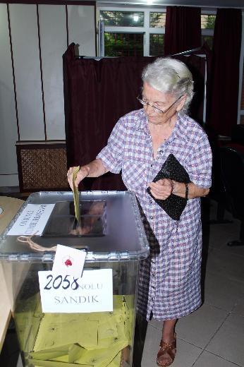 Türkiye genelinde oy verme işlemi başladı 34