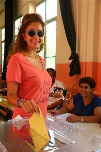 Türkiye genelinde oy verme işlemi başladı 37