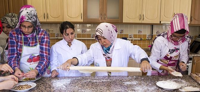 Selçuklu ve Osmanlı mutfağını öğreniyorlar 6