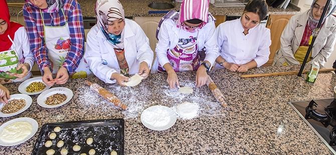 Selçuklu ve Osmanlı mutfağını öğreniyorlar 7