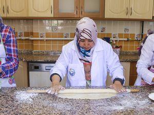 Selçuklu ve Osmanlı mutfağını öğreniyorlar
