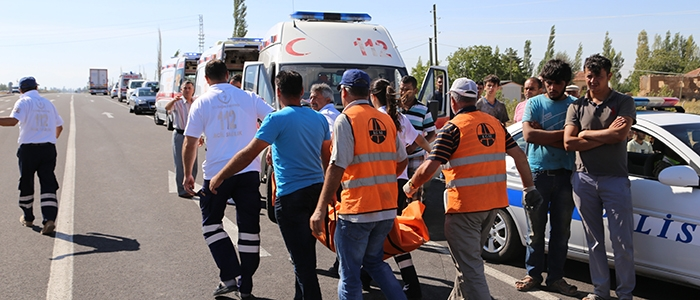 Aksaray'da feci kaza: 6 ölü 3