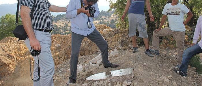 Tarihi mozaikler definecilerin tahribatıyla bulundu 10