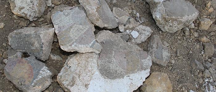 Tarihi mozaikler definecilerin tahribatıyla bulundu 15
