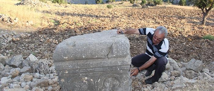 Tarihi mozaikler definecilerin tahribatıyla bulundu 17