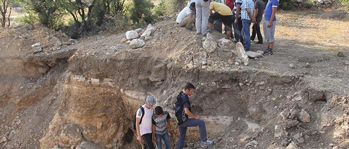 Tarihi mozaikler definecilerin tahribatıyla bulundu 9