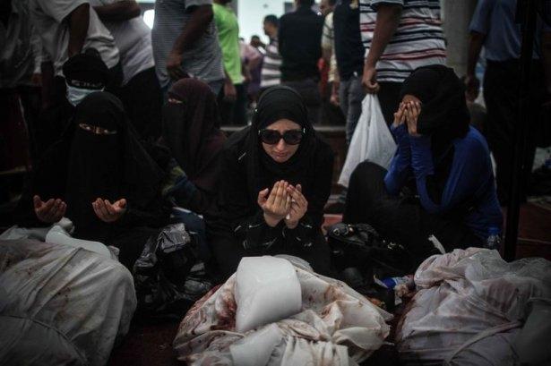 Rabia katliamının acı fotoğrafları 32